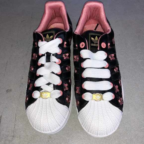 cheaper 9bf13 37777 2/$100 Adidas Superstar Flower Sakura Sneakers 7.5